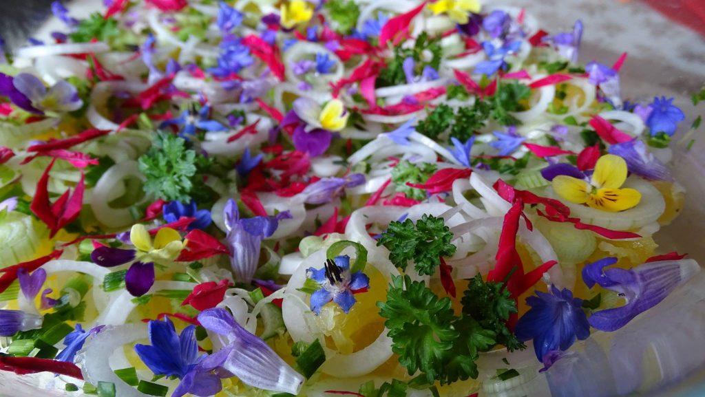 Salade fleurs des champs
