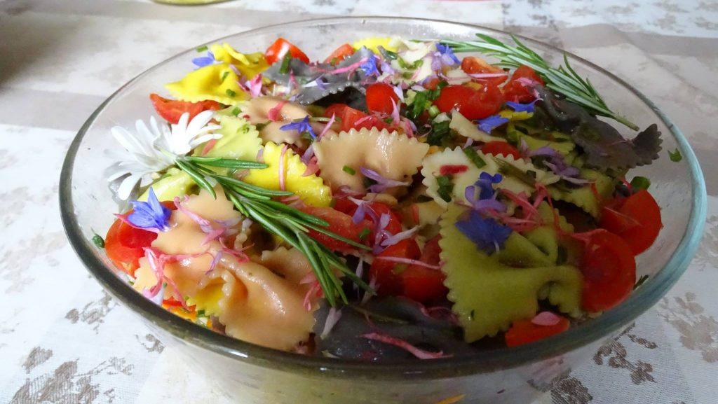 Salade pâtes fleuries